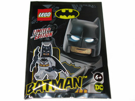 Набор LEGO 211901 Batman with Bat-a-Rang foil pack