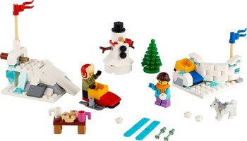 Набор LEGO 40424 Winter Snowball Fight