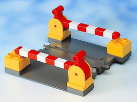 Набор LEGO 2740 Level Crossing