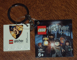 Набор LEGO 4599517 Harry Potter Hufflepuff Crest Key Chain