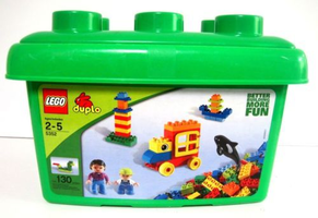 Набор LEGO 5352-3 Tub with Baby Orca and Minifigs
