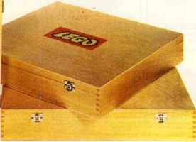 Набор LEGO 821-2 Wooden Storage Box Large (Double Latch), Empty, with Lattice
